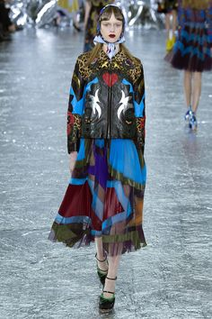 See the complete Mary Katrantzou Fall 2016 Ready-to-Wear collection.
