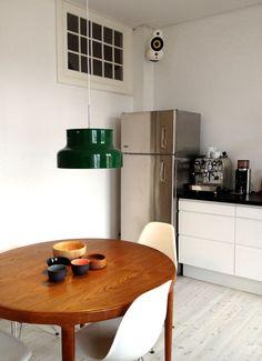 Apartment Interior, Kitchen Interior, Dishwashers, Studio Art, Small Space Living, Living Room Lighting, Interior Design Inspiration, Home And Living, Home Kitchens