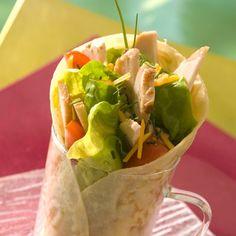 Découvrez la recette Wrap au poulet sur cuisineactuelle.fr.