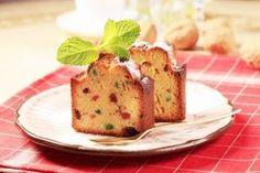 """750g vous propose la recette """"Cake aux fruits confits inratable"""" notée 4.1/5 par 62 votants."""