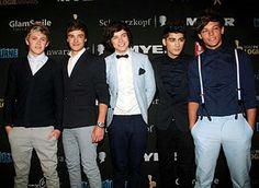 cardigan, drop crotch pants, suspenders, bowtie, all black suit // British semi-formal // 1D
