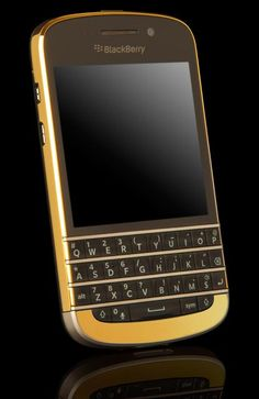 Gold Blackberry - I have an iPhone for work and a Moto X for personal use. Miss my Blackberry! Blackberry Smartphone, Blackberry Phones, Blackberry Passport, Latest Phones, New Phones, Mobile Phones, Blackberry Pearl, Sony Phone, Smartphone Deals