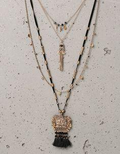 Halskette mit geprägter Platte und Quaste - Accessoires - Bershka Germany