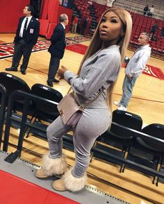 love this outfit. Chill Outfits, Swag Outfits, Outfits For Teens, Cute Outfits, Fashion Wear, Love Fashion, Fashion Outfits, Aaliyah Jay, Winter Fits