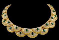VAN CLEEF & ARPELS Paris Diamond Emerald Necklace
