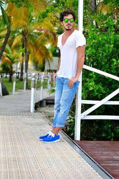 Alfonso De Santis indossa le nostre Colibrì bluette durante la sua vacanza a Cayo Largo