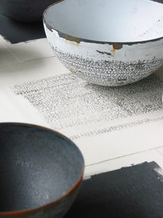 bowl by Helen Carnac (http://artpropelled.tumblr.com/ is probably the best art blog I've ever seen)