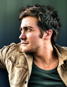 Jake Gyllenhaal.    Lets all just calm down. So gorgeous
