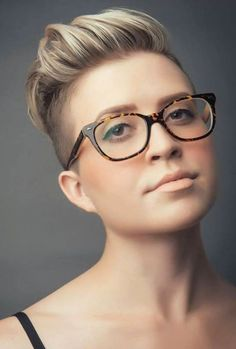Moderne kurze Frisuren für erstaunliche Looks, Kurze Haare, Moderne Kurzhaarfrisuren Undercut Hairstyles, Pixie Hairstyles, Cool Hairstyles, Undercut Pixie, Pixie Haircuts, Fade Haircut, Short Haircut, Modern Short Hairstyles, Hair Images