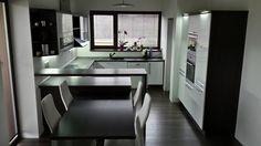 Kuchyňa ELIS biela arctic v.l. - Decodom Corner Desk, Table, Furniture, Home Decor, Corner Table, Decoration Home, Room Decor, Tables, Home Furnishings