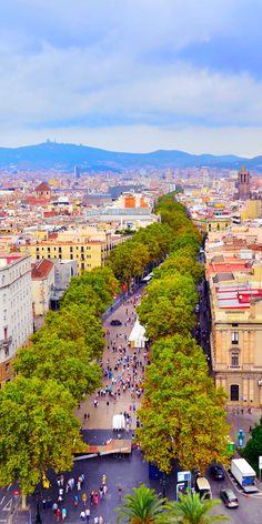 La Rambla, el famoso paseo marítimo de Barcelona, España | 24 razones por las que España debe estar en su lista de cubo. Increíble no. # 10