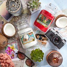 """Sinta a a intensidade da mistura frutada e doce do """"Tropical Jungle"""" e a suavidade e frescura do """"Coconut Splash"""" da Yankee Candle"""