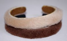 What a lovely furry bracelet ♥ BUY it on the link or write me a message! Bangles, Bracelets, Slippers, Jewels, Leather, Stuff To Buy, Link, Atelier, Sneakers