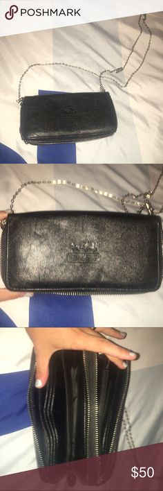 Authentic Leather Coach Crossbody Bag✨ NWOT this has never been used its made of real leather and has no scratches or damage comes with the chain and has many pockets for the wallet use of it. No trades. Coach Bags Crossbody Bags