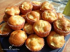 Muffin alle mele sofficissimi e veloci. Almond Meal Cookies, Crunch, Cake & Co, Cupcakes, Bakery Cakes, Mini Muffins, Just Cooking, Almond Recipes, Sweet Cakes