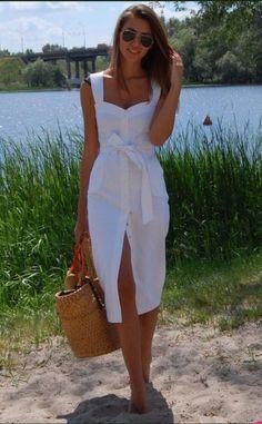 Moda anti-idade: 17 Vestidos clássicos para mulheres modernas Vintage Outfits, Vintage Inspired Dresses, Vintage Dresses, Girls White Dress, White Dress Summer, Summer Dresses, Holiday Dresses, Summer Clothes, Trendy Dresses