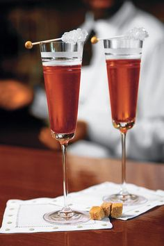 8 Creative Champagne Cocktails: perfect for the Old Year's farewell or New Year's toast and every other festive occasion of the year. We've rounded up our favorite champagne cocktail recipes for year-round entertaining.