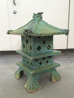 Garden Lanterns, Japan Art, Class Room, Japanese Gardens, Pottery Ideas,  Asian Decor, Birdhouse, Candle Holders, Gardens