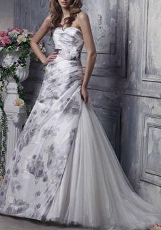 6e5e77211f 22 Beautiful Wedding Dress Style With Flower Ideas For Women Bride. Organza  Menyasszonyi RuhákMenyasszonyiruha ...