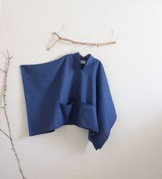 custom heavy linen swallow poncho coat with big pockets Kimono Fashion, Fashion Wear, Boho Fashion, Sewing Clothes, Diy Clothes, Poncho Coat, Basic Outfits, Dress Sewing Patterns, Pants Pattern