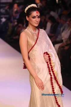simplicity with a tinge of red- Gitanjali's Nakshatra Show at IIJW 2012