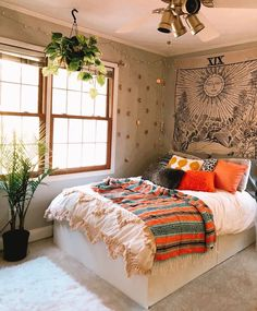 Room Ideas Bedroom, Home Bedroom, Bedroom Wall, Bedroom Inspo, Bright Bedroom Ideas, Bed Room, Boho Dorm Room, Boho Bedroom Decor, Dorm Room With Tapestry