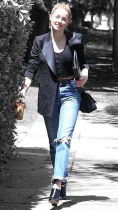 Amber Heard in Los Angeles, California on Friday Amber Heard Style, Amber Head, Celebs, Celebrities, Off Duty, Red Carpet Fashion, Color Splash, Celebrity Style, Friday
