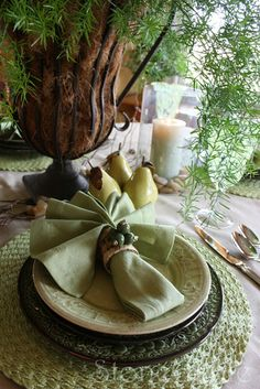 StoneGable: St. Patrick's Day Tablehttp://www.stonegableblog.com/2010/03/st-patricks-day-table.html