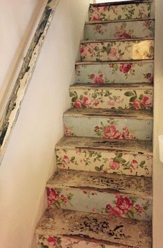 Shabby Chic Home Interiors – Decorating Tips For All Shabby Chic Cottage, Shabby Chic Homes, Shabby Chic Style, Shabby Chic Decor, Country Chic Cottage, Decoration Shabby, Decoration Entree, Decoupage Furniture, Shabby Chic Furniture