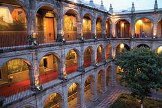 El Antiguo Colegio de San Ildefonso una de las edificaciones coloniales más importantes, del siglo XVIII, alberga en su arquitectura la esencia de uno de los movimientos artísticos y sociales más relevantes y representativos de la historia de México: el muralismo.