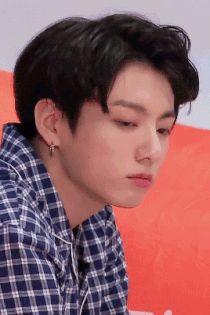 Gif reactions of jungkook Taehyung, Bts Jungkook, Jungkook Mignon, Jungkook Sleep, Jungkook Lindo, Namjoon, Jung Kook, Jikook, Jung So Min