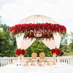 Gorgeous Wedding Mandap Designs To Inspire You! - The Urban Guide Bengali Wedding, Desi Wedding, Indian Beach Wedding, Wedding Ideas, Wedding Pictures, Wedding Details, Wedding Mandap, Wedding Ceremony, Wedding Receptions