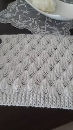 Çatlak Kahve Örneği See other ideas and pictures from the category menu…. Lace Knitting Stitches, Lace Knitting Patterns, Knitting Designs, Diy Crafts Knitting, Easy Knitting, Crochet Patterns Free Women, Baby Vest, Shakira, Fashion Outfits