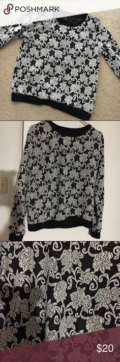 Forever 21 floral sweatshirt Please use offer button to make an offer Forever 21 Tops Sweatshirts & Hoodies