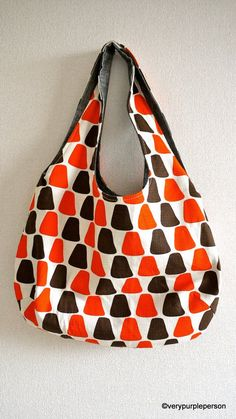 Reversible Bag tutorial: from top of straps to bottom of bag: 20 inches height: 11 inches width ...  PDF pattern and instructions