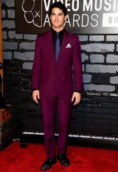 #Glee star #DarrenCriss wearing a bold purple #Versace suit with #ChristianLouboutin glitter oxfords at the VMAs