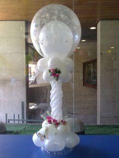 Columna blanca de globos para boda white wedding balloon - Decoracion con mariposas ...