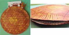 la galette des rois avec 2 assiettes en carton (Page 1) / Bricolage / activités manuelles / Assistante maternelle - assistante-maternelle.biz le site des assistantes maternelles agrées et parents employeurs