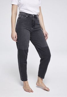 ARMEDANGELS | Maira Two Tone Denims / 5 Pockets Mom Solid - grey wash Two Toned Jeans, Grey Wash, Models, Neue Trends, Mom Jeans, Abs, Organic, Denim, Fitness