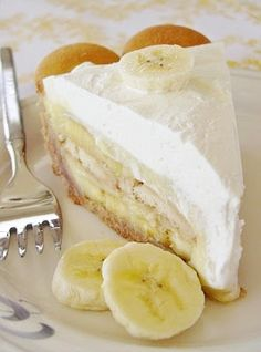 Southern Banana Pudding Pie: Nilla Wafer crust filled with layers of vanilla pudding bananas. Topped w merengue or whipped cream. (Can save time using boxed pudding but dont skip the Nilla Wafer crust