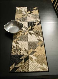HUNTER'S STAR SIMPLIFIED QUILT | <br/> Table