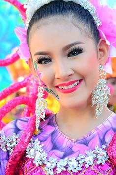 Festival Queen - Pintaflores | San Carlos City | Philippines | Photo By Wilfredo Lumagbas Jr.
