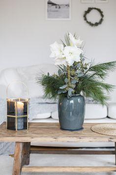 Christmas Diy, Christmas Decorations, Xmas, Table Decorations, Christmas Inspiration, Winter White, Interior Inspiration, Flower Arrangements, Handmade Gifts
