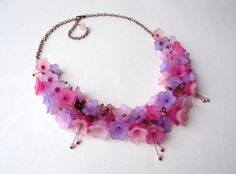 Flower necklace  pink purple lilac  charm necklace  door Madmozelle, €28.00