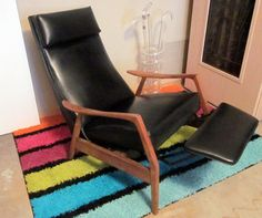 reserved for a VINTAGE Milo Baughman reclining mid century modern chair with footrest bLACK Modern Recliner, Modern Crib, High Back Chairs, Mid Century Style, Cool Chairs, Living Room Sets, Foot Rest, Midcentury Modern, Milo Baughman