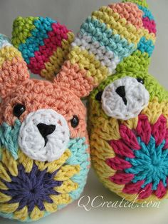 Ravelry: Easy Easter Bunny pattern by Janette Williams https://thegreendragonfly.wordpress.com/2013/03/05/nibble-nibble-hop-hop/
