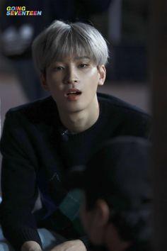 Cute Boyfriend Sayings, Boyfriend Girlfriend Quotes, Seventeen Going Seventeen, Seventeen Wonwoo, Woozi, Jeonghan, Solo Photo, Won Woo, Seventeen Wallpapers