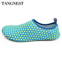 Tangnest Breathable Summer Men Light Flats Unisex Quick-drying Beach Shoes Man Casual Barefoot Shoes Soft Flat Shoes Man XMR2457
