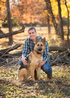 senior boy with dog by sarahchloephotography.com