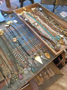 Ooo, love this for a craft booth idea! Jewelry Booth, Jewelry Show, Boho Jewelry, Jewelry Crafts, Jewelry Art, Beaded Jewelry, Jewelery, Handmade Jewelry, Jewelry Design